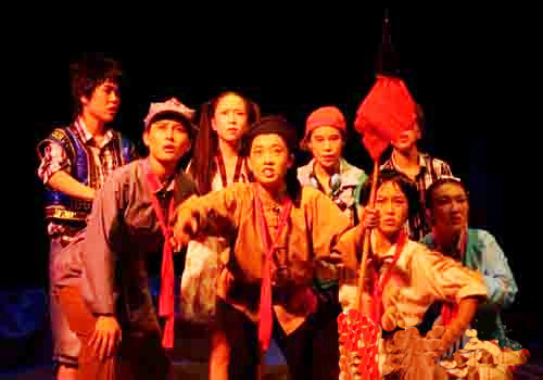 经典儿童剧《红领巾》在内蒙古大学艺术学院音乐厅演
